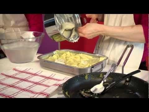 Pasticcio di lasagne ai carciofi noto in tutto l'appennino. Specialità culinaria prenestina.