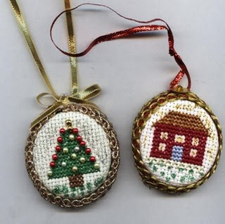 So cute!!! Bottle top decorations. I can't wait to do this!