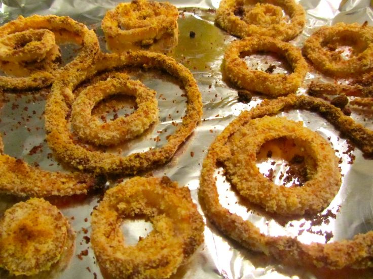 Baked Paleo Onion Rings | WorkOutChowDown