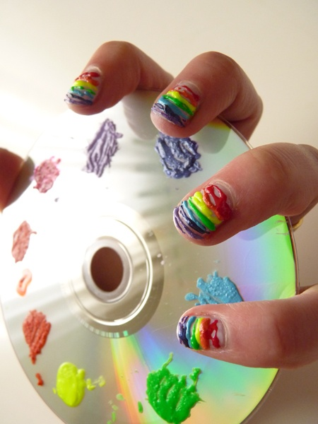 The Sunday Nail Battle : Clouds VS Rainbow & Fat Lines  http://nailartpaintersp.blogspot.com.es/