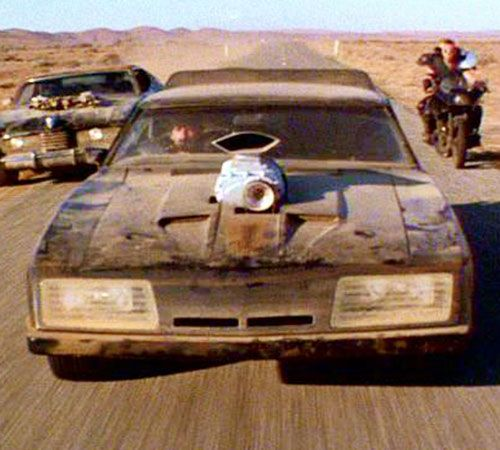 Mad Max (Mel Gibson) - V8 Interceptor chased