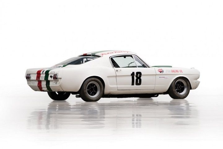 Shelby-Mustang-GT350-R-2-740x506