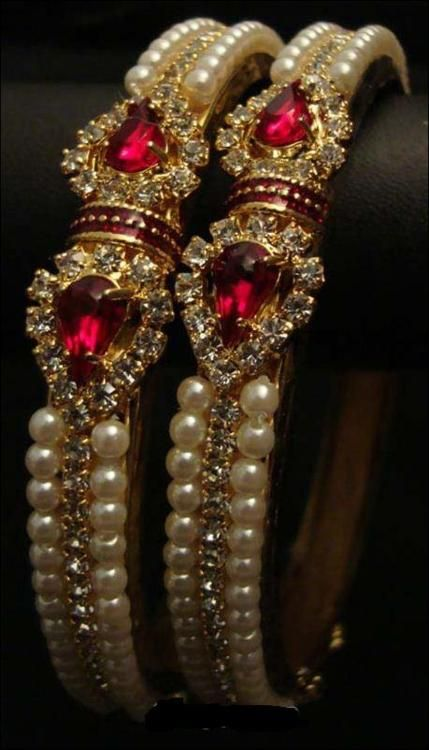 .Gorgeous Ruby and Pearls               https://br.pinterest.com/source/ achadosdaliedaqui.tumblr.com