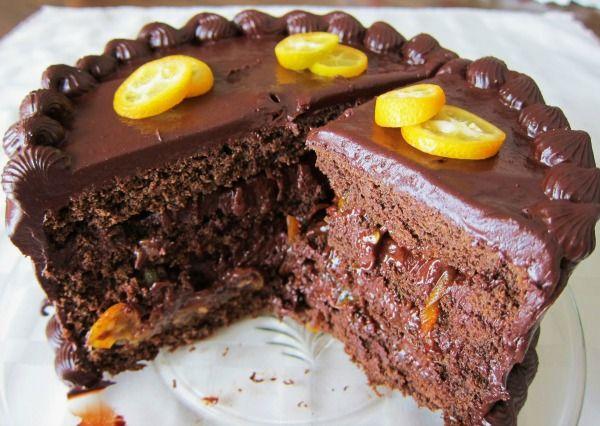 It's called Black Sapote (aka chocolate pudding fruit)