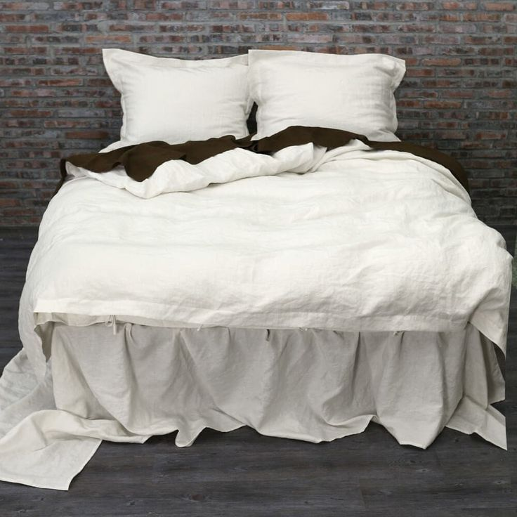 For more detail about this product please visit: https://www.linenshed.com.au/collections/duvet-cover-basic/products/linen-duvet-cover-chalk