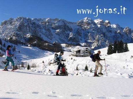 COSA NON PUOI PERDERTI IN QUESTA VACANZA  1.Lo splendido scenario del Pasubio  2.Il sentiero dei Grandi Alberi  3.L'escursione notturna sul Monte Spitz http://www.jonas.it/trekking_piccole_dolomiti_pasubio_314.html