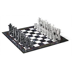 Harry Potter Wizard Chess Set | ThinkGeek