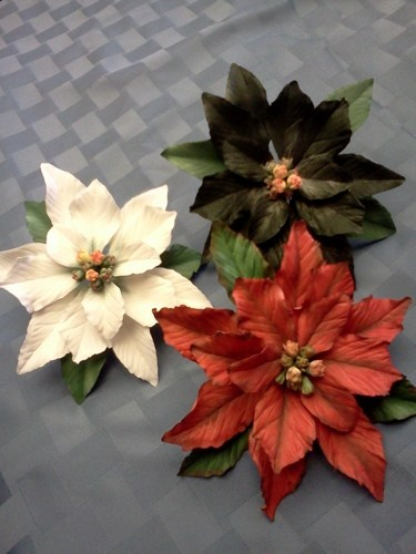 6 Inch Food Safe Gum Paste Christmas Poinsettia Available In 3 Colors Theshecreaturebootique 45 Sugar Flowers Tutorial Sugar Flowers Gum Paste Flowers