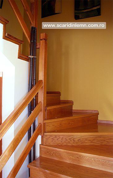 scara interioara de lemn masiv mana curenta si balustrii