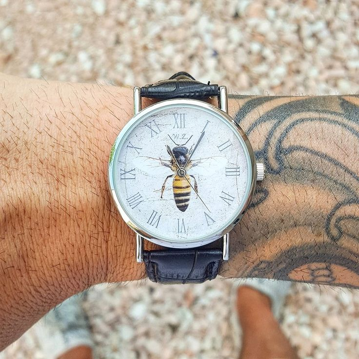 WOODSTOCK WATCH! Take Your Time With Woodstock Watch! ⚓️Shipping available in all European countries! Shop: www.woodstockzambon.com  Instagram:https://www.instagram.com/woodstockzambonvalentina/ #woodstockzambon #woodstockwatch #style #streetstyle #orologi #watch #watchman #man #summer2016 #bee #ape
