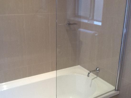 bathtub shower combo de russie suites orange bath shower combo