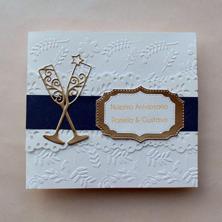 Invitación para Aniversario de Boda de oro, originales y festivas con detalles en relieve floral y encaje.