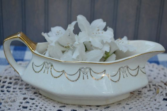 ✿   etsy bluefolkhome says....Interesting to compare this gravy boat made in the US in 1916 to the one pinned next to it on the Showcase from then4now which is from the late 1800's and was manufactured in England. Two distinctive china pieces from the past ready to grace your home  ✿ 100 Year Old Gravy Boat 1916 Martha Washington by bluefolkhome