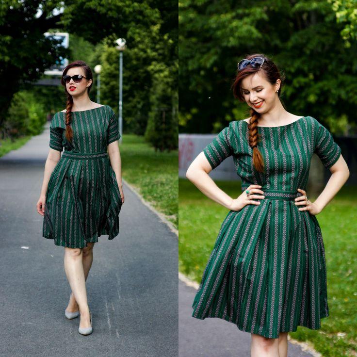 Folk handmade green a line dress. Made in Slovakia. Curvy blogger, pear shaped body.