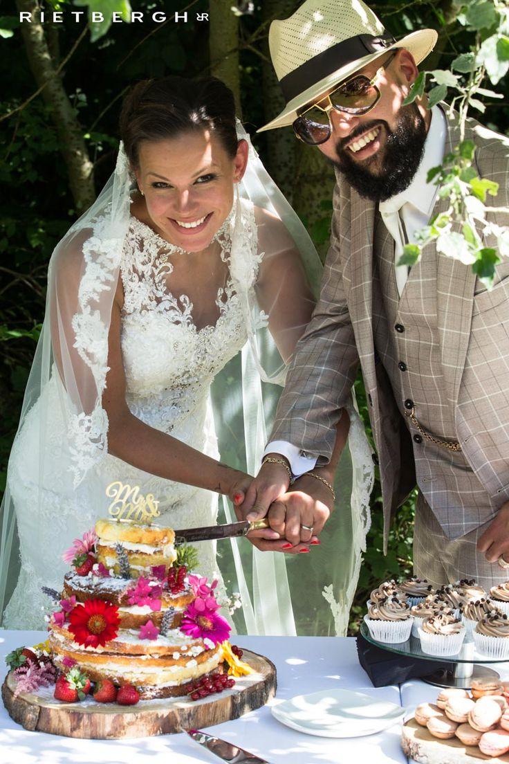 checked suits - checkered suits - brown suits - beige suits - checked wedding suits - checkered wedding suits - trouwpak met ruitstof - trouwpakken met ruit - ruitstoffen - maatpak met ruit - maatpakken - love - wedding - wedding dress -