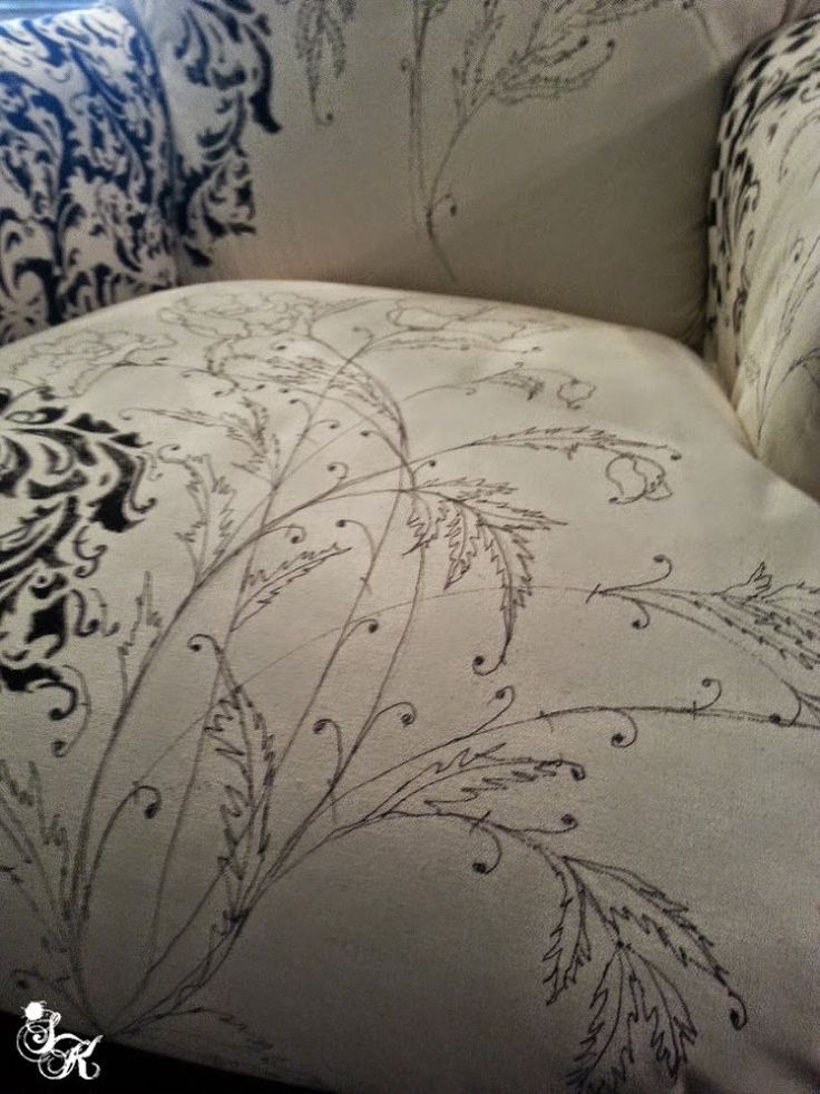 Hometalk :: Floral Hand Painted Fabric Chair