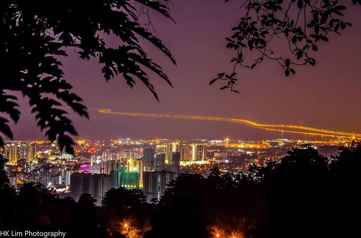 Night view of Penang second bridge