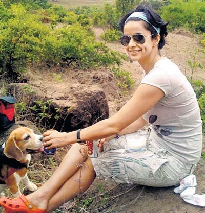 Gul Panag and her pet dog Milo. Pic/mid-day archives | #indipin