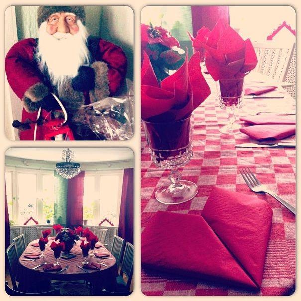 Christmas table setting. made by me. Visual merchandiser.