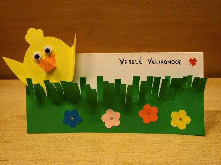 Kuřátko v trávě: Jarní dekorace nebo velikonoční přání z papíru