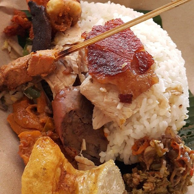 Craving for this Nasi Be Guling!  #food #bite_chew #RasaIndonesia #CintaMasakanIndonesia #Indonesia #Bali #pork #sucklingpig #tasty #spicy #foodporn #nomnom #foodie #instafood #foodstagram