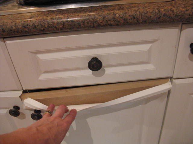 How do you paint laminate kitchen cupboards when they 39 re - How do you paint bathroom cabinets ...