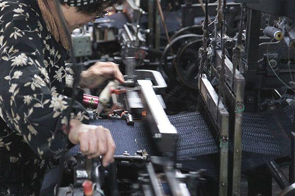 熟練の職人が紡ぐ久留米産最高級生地