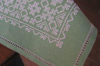 ricamo e... altro: lezione punt'e nù.  Punto vanu, see blog for instructions, Sardinian needlework?