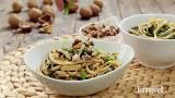 How to Make Dan Dan Noodles with Spinach & Walnuts - EatingWell.com