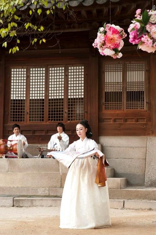 Dress of Wind / South Korea