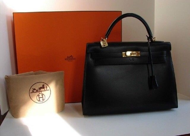 Девочки осталась последняя сумка Hermes Kelly. Отдаём по скидке 100$  #сумка#сумкакели#украина#сумкахермес #сумкакиев #сумкаодесса by votre_magasin_