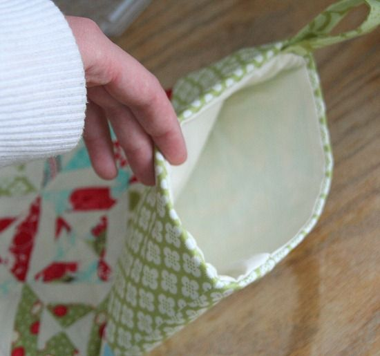 How to: Good tutorial with pictures on how to line a Christmas stocking