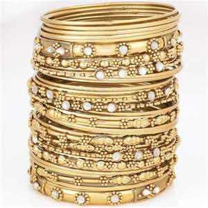 Aren't these gorgeous? Wear 2, but not all of these Indian Bangle Bracelets! Save the rest for a night out.