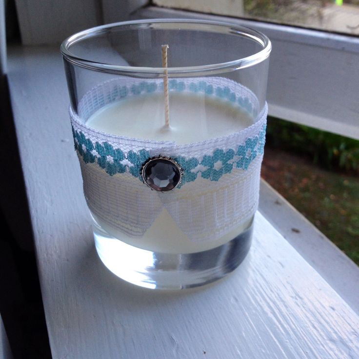 Soy wax candle with lace