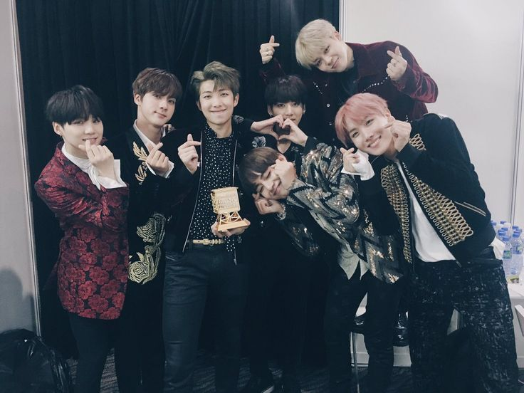 Twitter upload @BTS_bighit [161202] THEY DESERVE THIS AND MORE♡