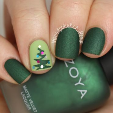 Christmas Nail Art nail art by Kelli Dobrin   | Cute Nail Art Designs