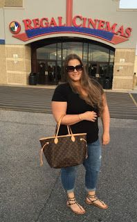 Plus size fashion. Date outfit. Rockstuds. Movie date. Louis Vuitton Neverfull MM. Rockstuds