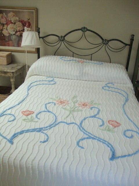 vintage chenille bedspread .Mijn ouders hadden zo'n sprei.