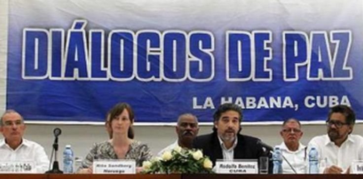 Esta imagen del líder de Cuba, Raúl Castro, junto con el Presidente de Colombia Juan Manuel Santos y el líder de las Farc Timoleon Jiménez, se podría repetir en el día de hoy. Foto: Suministrada.