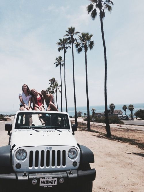 I want to live by the beach, and drive a white jeep. #summertime