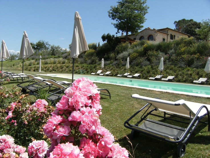 Romantic hotel Taverna di Bibbiano with stunning view over San Gimignano and the Tuscan countryside. Romantic Getaway for two.