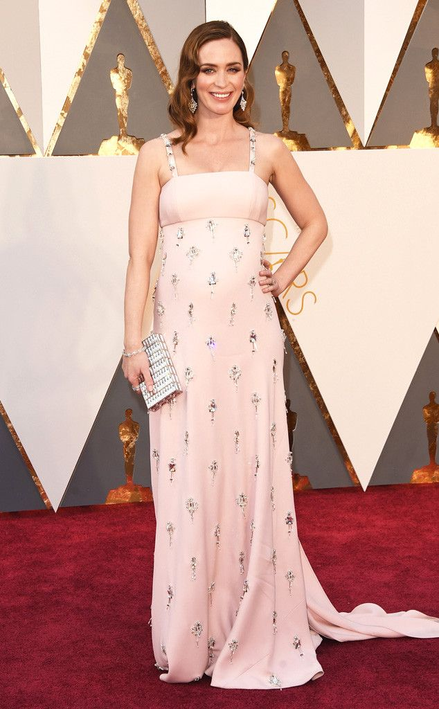 Baby On Board! Emily Blunt Looks Absolutely Radiant at the 2016 Oscars  Emily Blunt, 2016 Oscars, Academy Awards, Arrivals