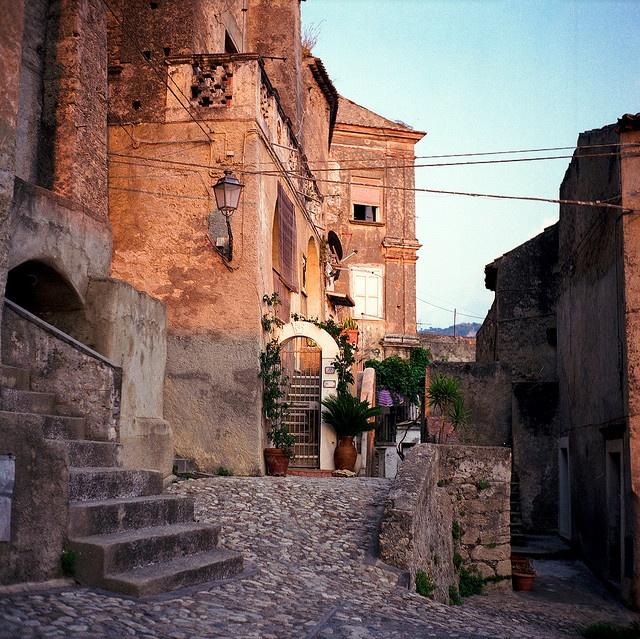 Borgo, Italia