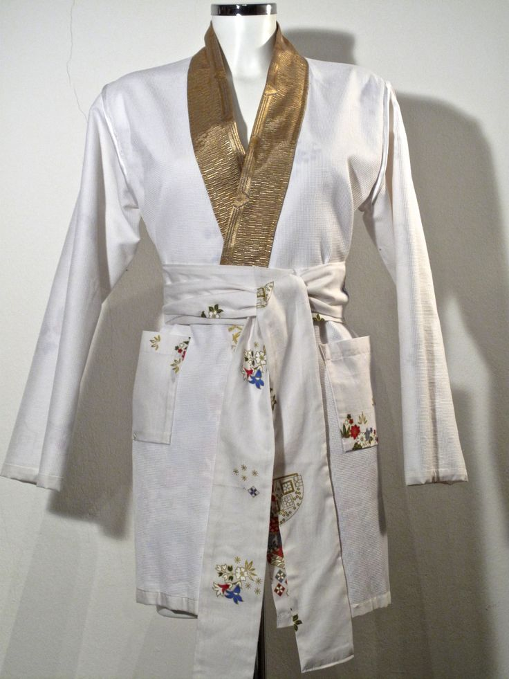 Yukata - Tageskimono - White with gold  double sided. 2 pockets on the inside
