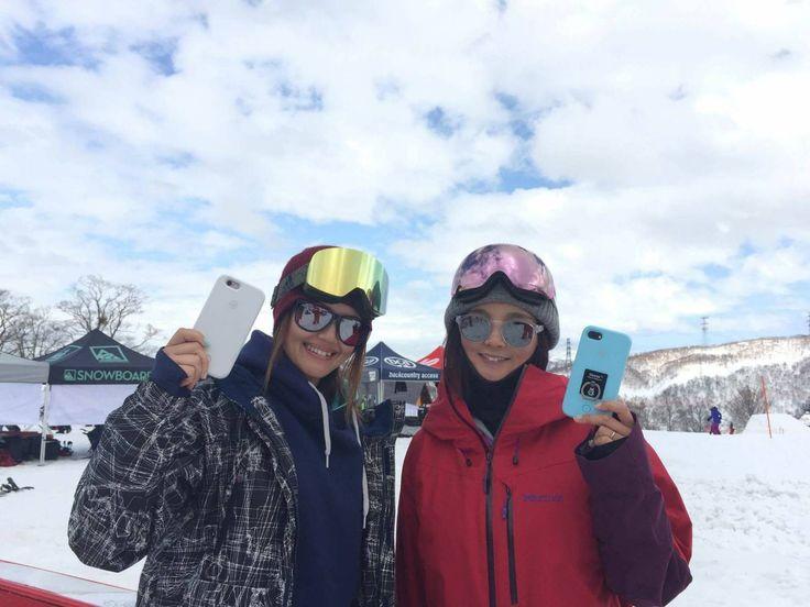 プロスノーボーダーの  田中幸さんと吉沢こずもさんも iFlashを愛用中! お二人の応援もよろしくお願い致します❣️ セルフィーライトケース iFlash  #自撮り #iFlash #スマホケース #iPhoneケース #アプリ加工 #クラブ #セルフィー #自撮り女子 #スノボー #スキー場 #ゲレンデ