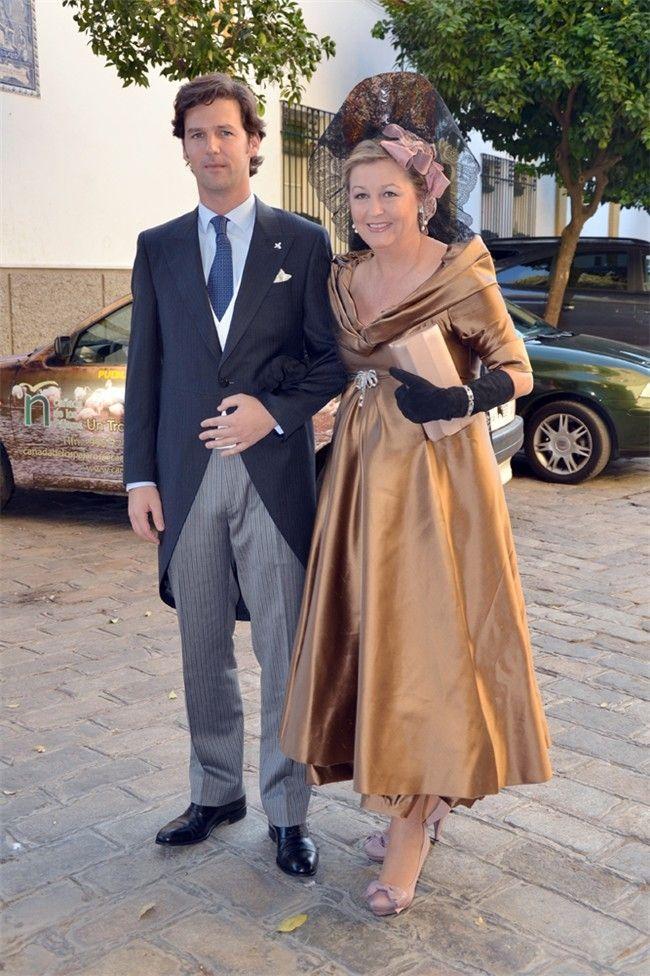 José Maza Moreno llega a su boda del brazo de su madre -- Mujerhoy.com --