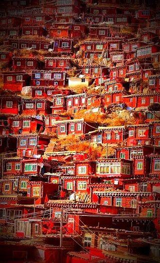 Larung Gar, China - 50 Surreal Travel Destinations that should be on your bucket list. Click to see more! #LarungGar, #China