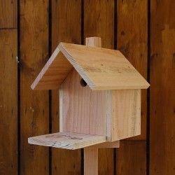 les 12 meilleures images du tableau nichoirs oiseaux sur pinterest artisanales du jardin et. Black Bedroom Furniture Sets. Home Design Ideas