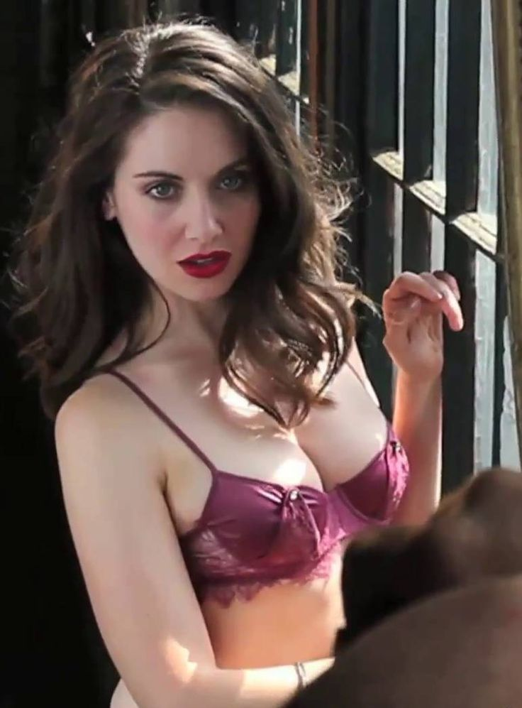 Alison brie vs gillian jacobs topless clip comparison 3