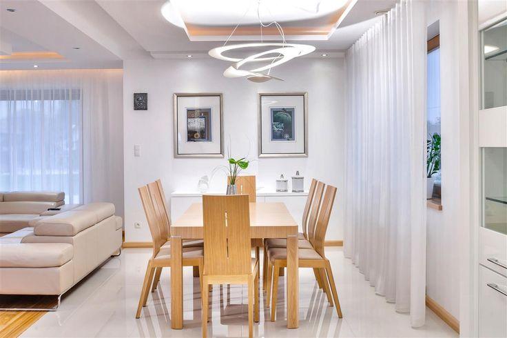 Aranżacja domu w bieli  Zobacz więcej na www.amarantowestudio.pl